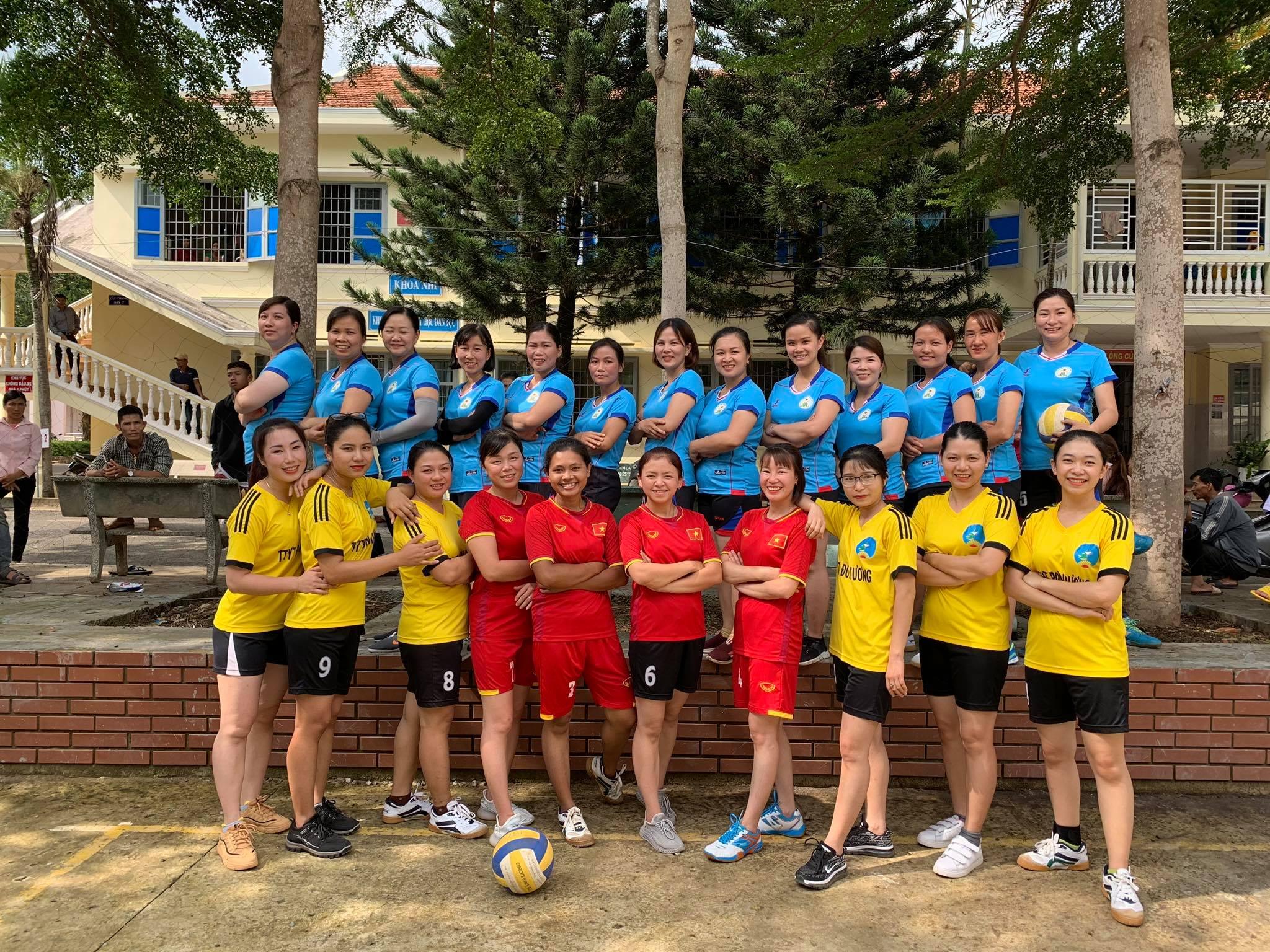 Giao lưu bóng chuyền nữ TTYT Lâm Hà và TTYT Đơn Dương